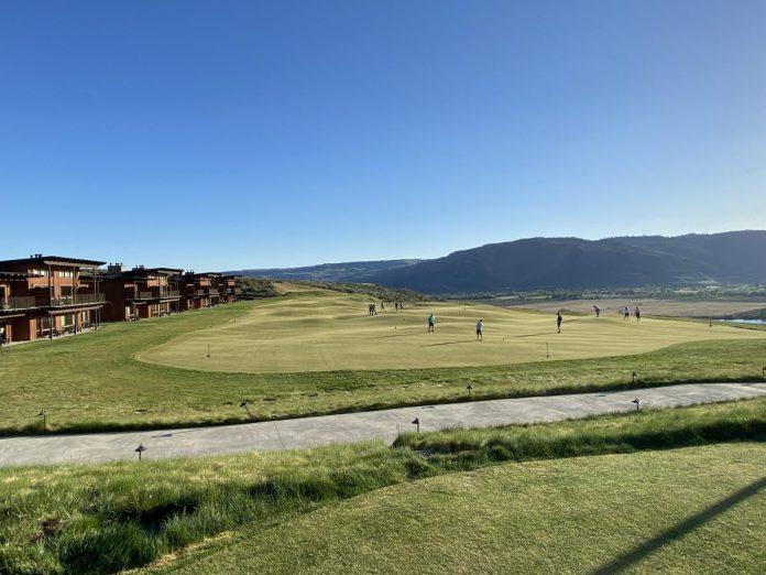 Does this golf resort have the best putting course in the US?
