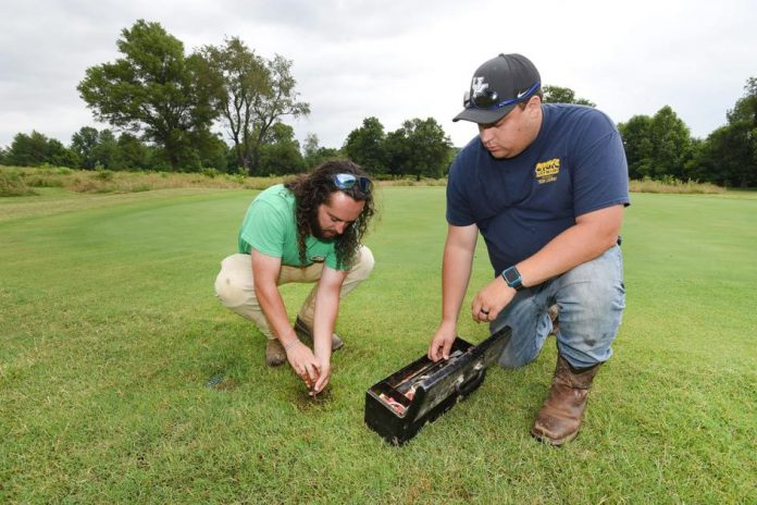 Golf courses keep workers busy    Sports