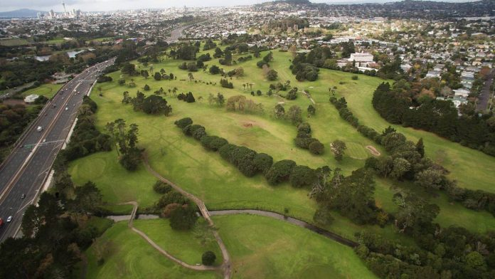 Chamberlain Park Golf Club loses 130 members after closing three holes due to idiosyncratic balls