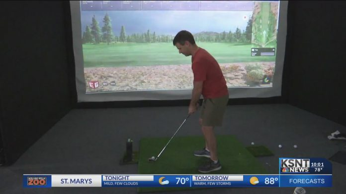 '8 Iron Therapy' lets golf fans get a taste of the golf course inside