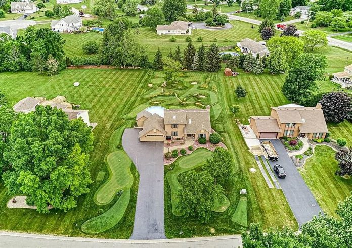 Amazing Home near Rochester, NY has its own private golf course [PHOTOS]