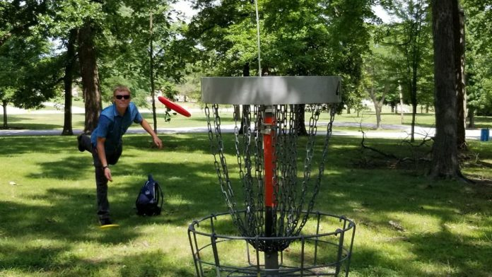 Watch Now: Disc Golf Fans Stay In Bloomington Parks |  Lifestyles