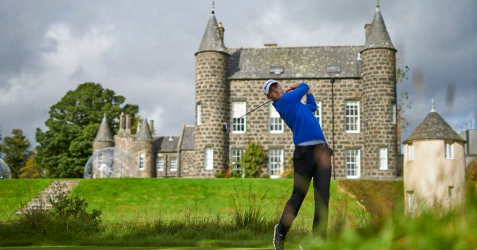 10 golf courses in Scotland with luxurious accommodations and breathtaking scenery