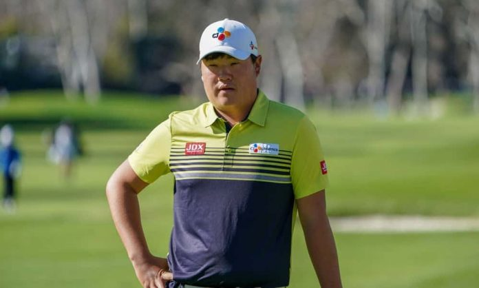 DraftKings Showdown PGA DFS picks for Round 2 of the BMW Championship. Daily fantasy golf advice with Sungjae Im on Friday, 8/27/21.