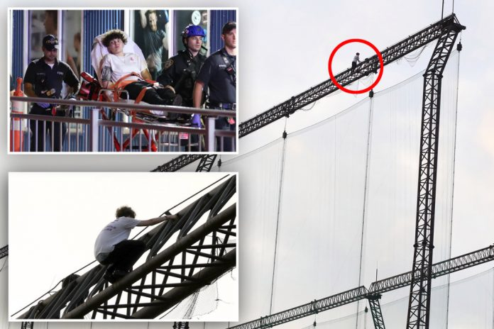 Teenage boy rescued after climbing a tower near Chelsea Piers driving range