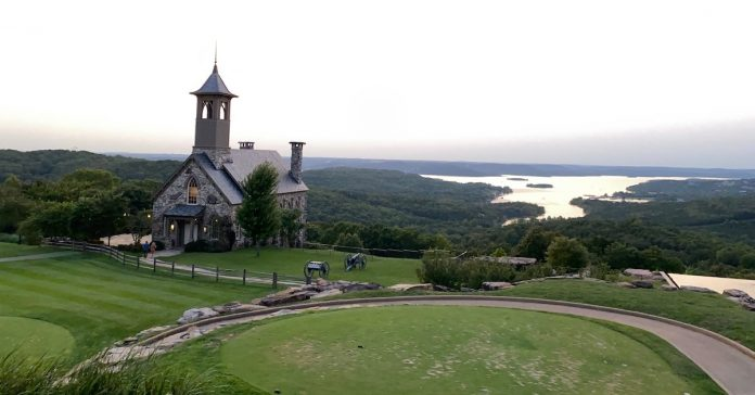 5 tips to see fall foliage in Branson